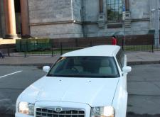 Аренда Лимузина Крайслер С300 в Спб внешний вид1