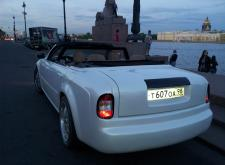 Заказать Роллс Ройс Фантом в Санкт-Петербурге - задняя сторона машины