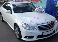 Представительный автомобиль Mercedes W212 в СПб белый