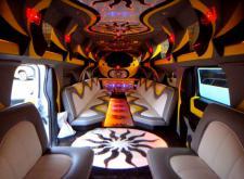 Прекрасный лимузин Hummer H2 Super Hyper в СПб салон3