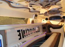 Арендовать лимузин Крайслер С300 на 8 гостей в Санкт-Петербурге салон3